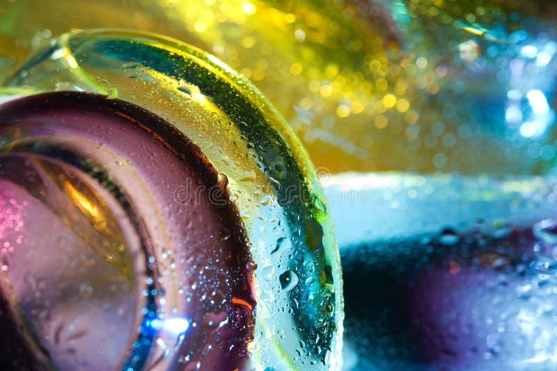 Fond abstrait coloré. La glace relâche l'eau. photographie stock libre de droits