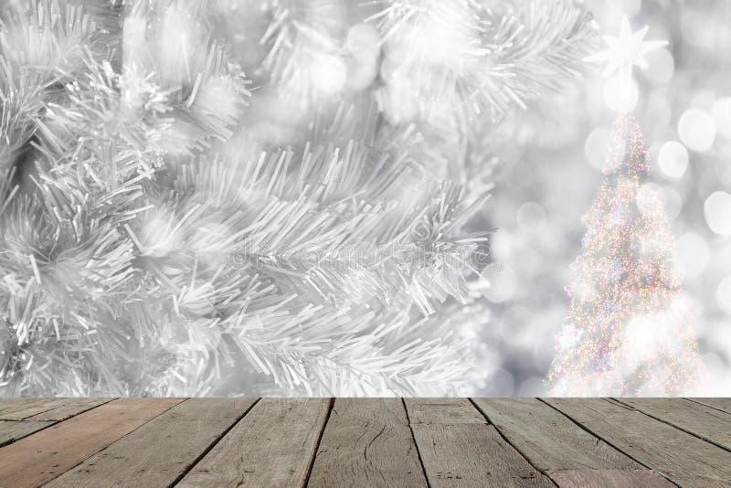 Fond abstrait de Noël avec les lumières defocused de bokeh blanc images libres de droits