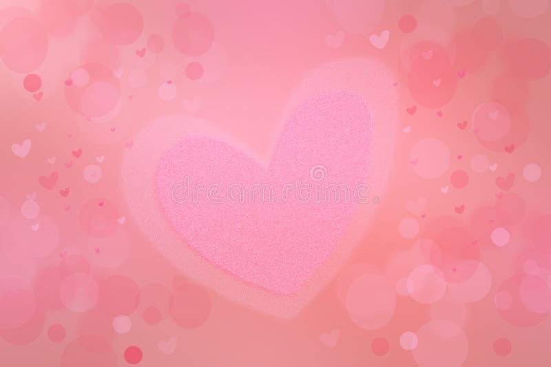 Fond abstrait de valentine Fond en pastel lumineux de rose de fête de tache floue d'Abtract avec un grand coeur rose pour la vale photo stock