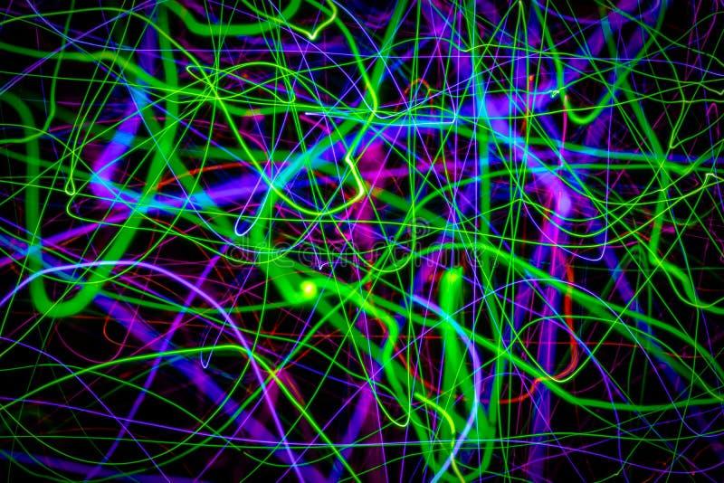 Fond abstrait se composant des lignes et des rayures chaotiques colorées photo stock