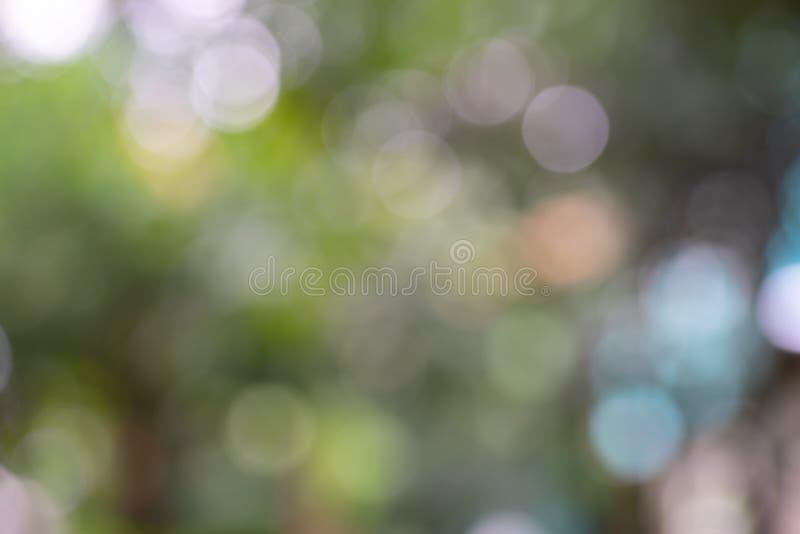 Fond abstrait vert pâle, jaune bokeh utilisé pour le papier peint et le design écologique photographie stock