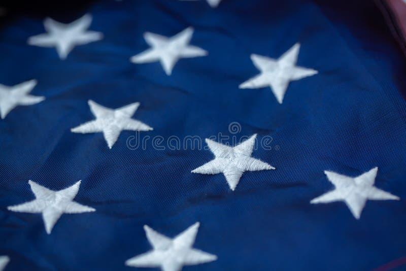 Fond antique de mod?le d'ondulation de drapeau de l'Am?rique dans le concept blanc bleu rouge de couleur pour les Etats-Unis le J photo stock