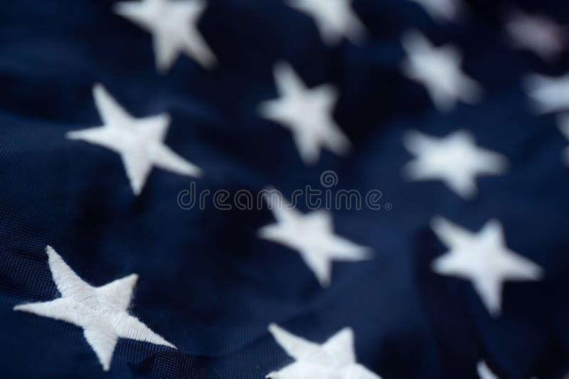 Fond antique de mod?le d'ondulation de drapeau de l'Am?rique dans le concept blanc bleu rouge de couleur pour les Etats-Unis le J images stock