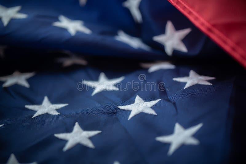 Fond antique de mod?le d'ondulation de drapeau de l'Am?rique dans le concept blanc bleu rouge de couleur pour les Etats-Unis le J photo libre de droits