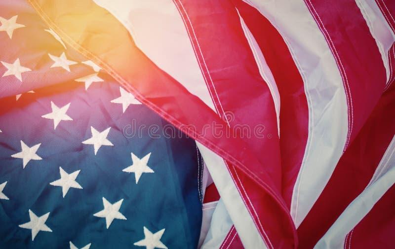 Fond antique de mod?le d'ondulation de drapeau de l'Am?rique dans le concept blanc bleu rouge de couleur pour les Etats-Unis le J photographie stock libre de droits