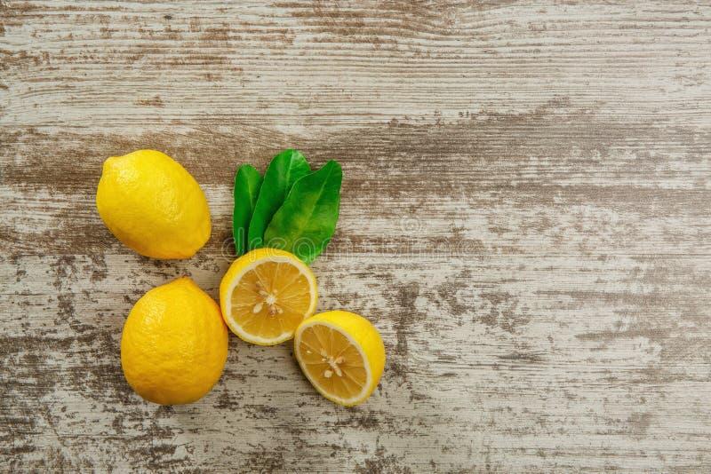 Fond avec des citrons photos stock