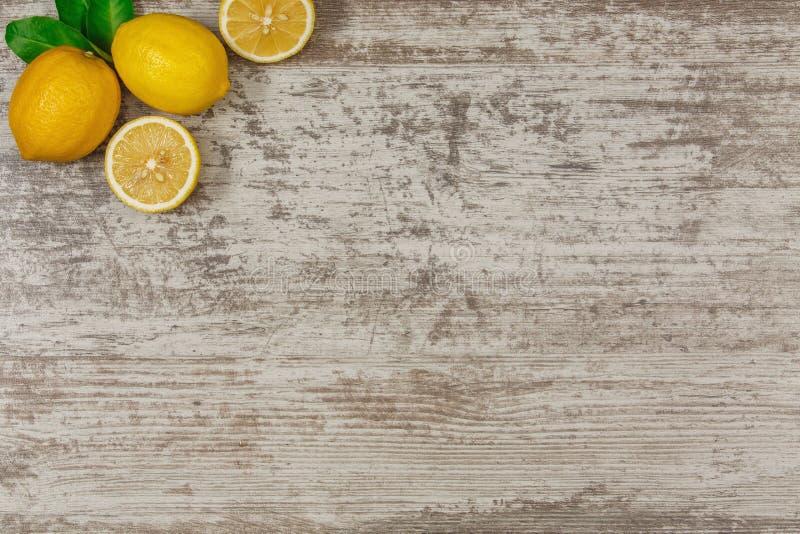 Fond avec des citrons photographie stock libre de droits