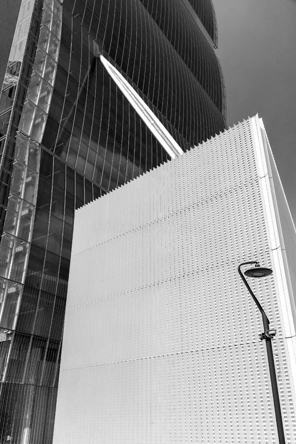 Fond avec le détail de façade du bâtiment architectonique de bureau futuriste photographie stock libre de droits