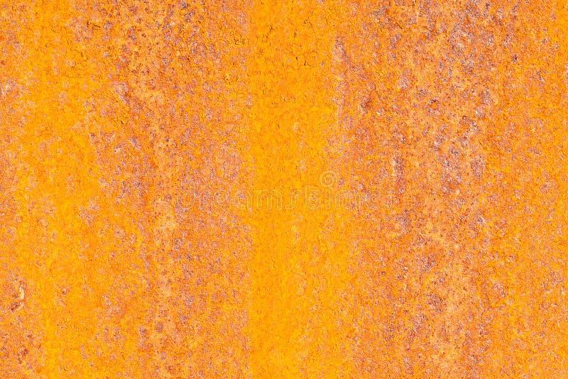 Fond bariolé lumineux constitué par une surface minable rouillée image stock