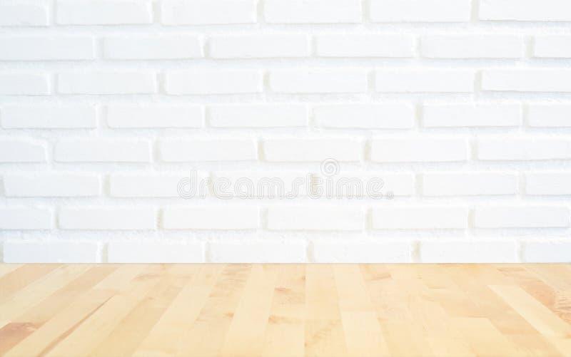 Fond blanc de mur de briques avec du bois de lumière de perspective, slightl image stock