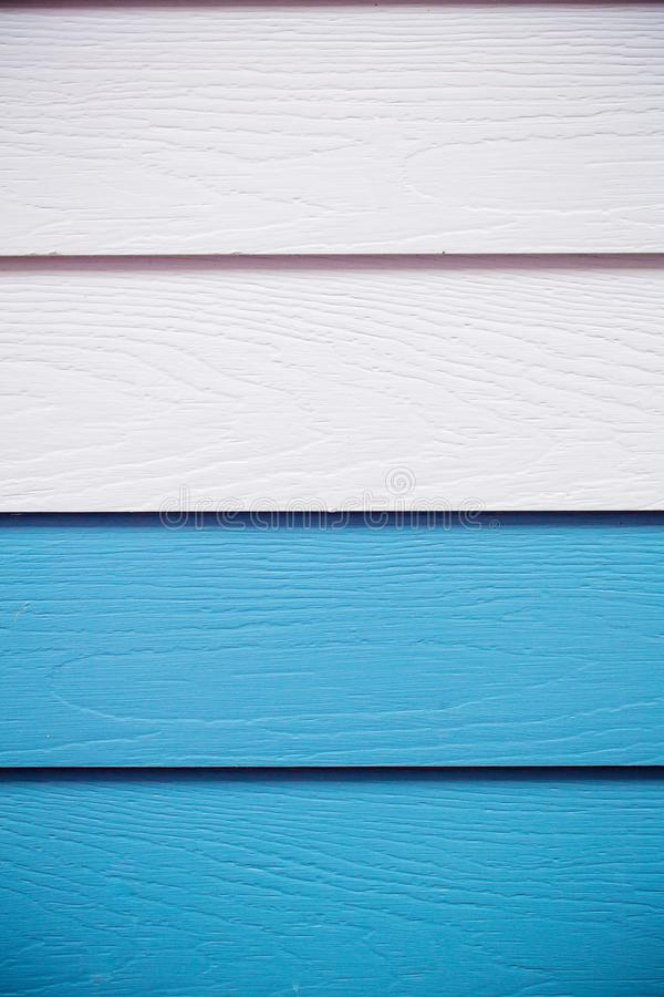Fond bleu en bois utilisation du bois synthétique bleue de texture de mur pour le fond Conseil en bois coloré peint dans le bleu photos stock