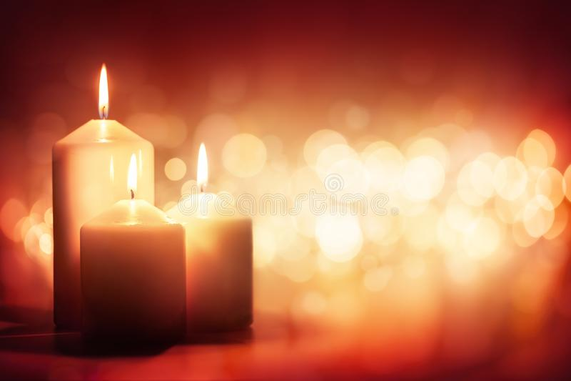 Fond bougie et lumière des bougies photographie stock libre de droits