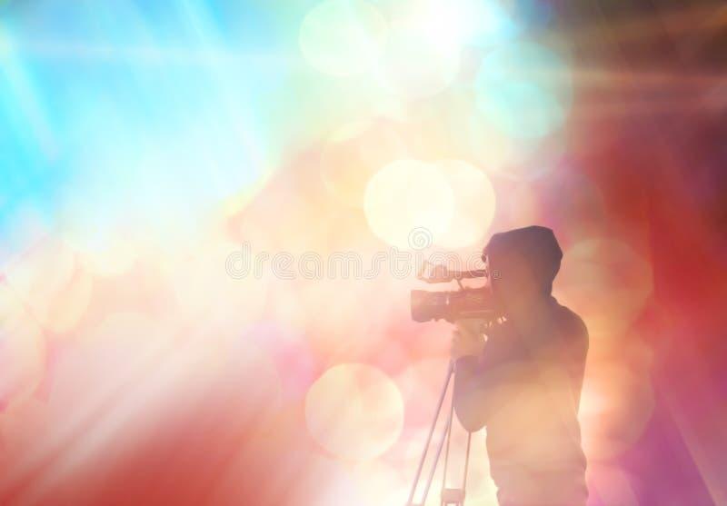 Fond brouillé abstrait avec la silhouette d'un homme images stock