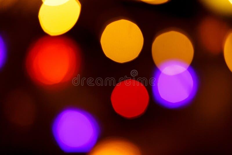 Fond clair abstrait de célébration avec les lumières d'or defocused pour Noël, nouvelle année, vacances photo stock