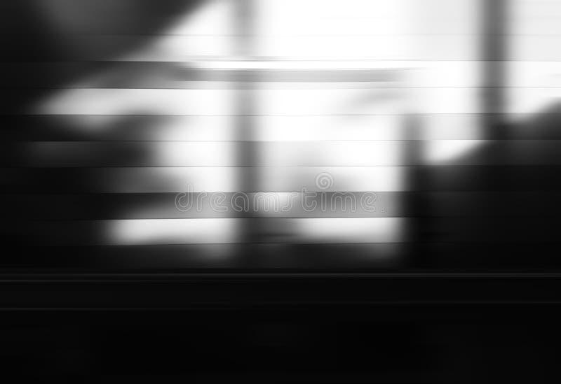 Fond clair noir et blanc diagonal de bokeh de fuite image libre de droits