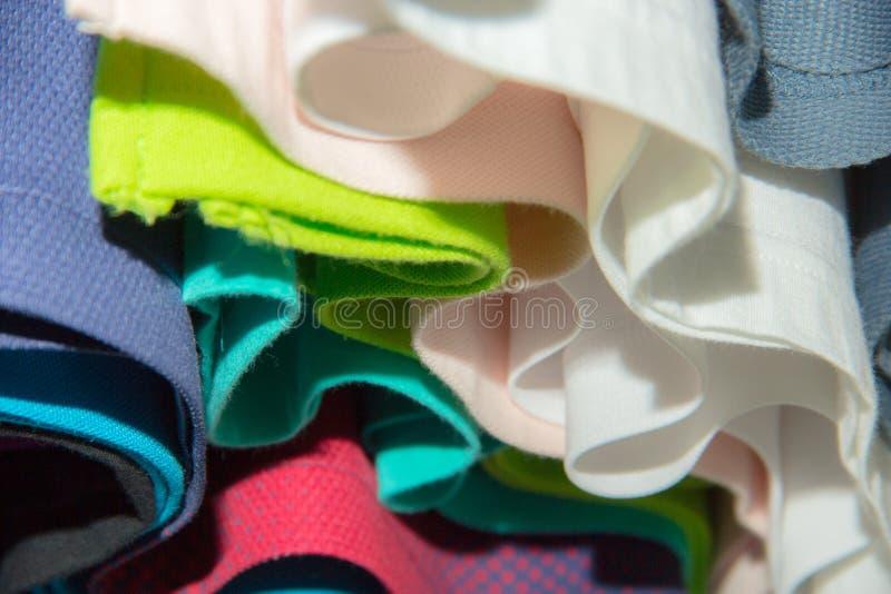 Fond coloré abstrait de vêtements photographie stock libre de droits