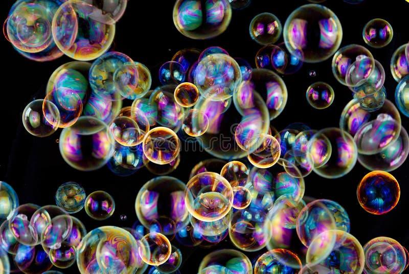 Fond coloré d'abrégé sur bulles de savon images libres de droits