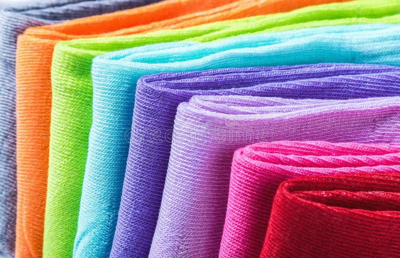 Fond coloré de chaussettes de textile images libres de droits