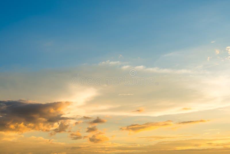 Fond coloré de ciel photos libres de droits