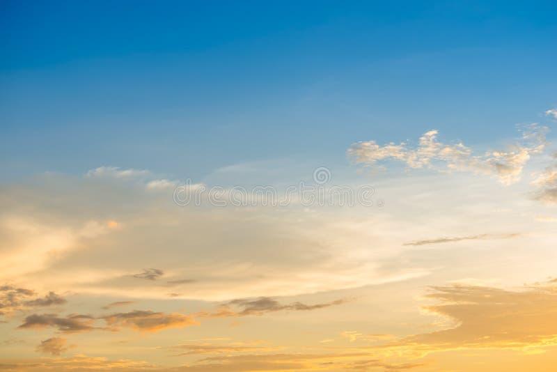 Fond coloré de ciel photographie stock