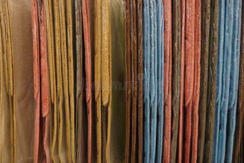 Fond coloré de tissu d'une série de couvertures photographie stock