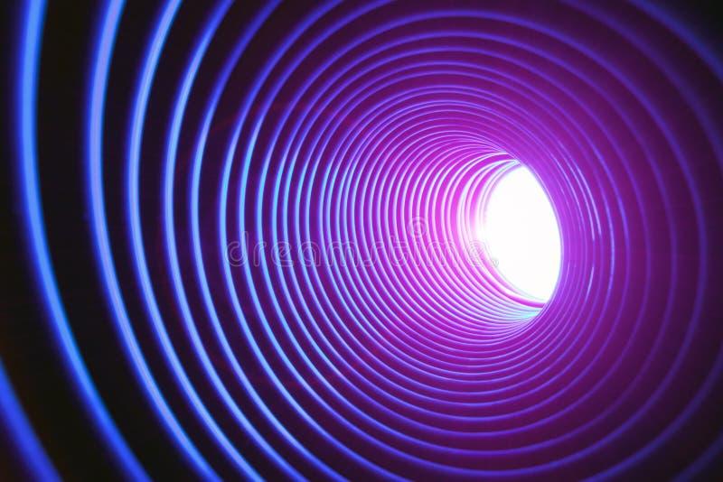 Fond conceptuel abstrait avec le tunnel de pointe futuriste de trou de ver photo stock