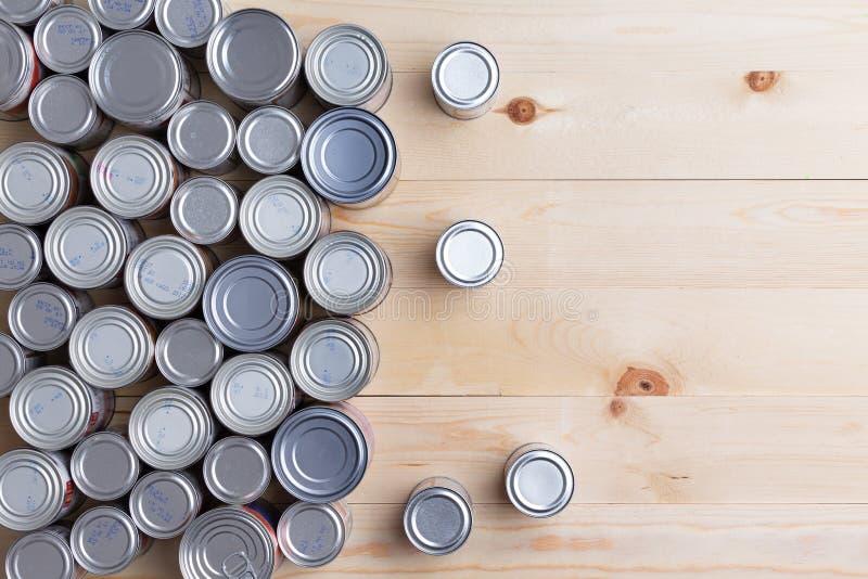 Fond conceptuel des nourritures en boîte de multiple image stock