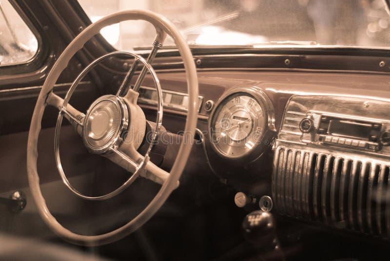 Fond - détail intérieur d'une voiture de vintage photographie stock libre de droits