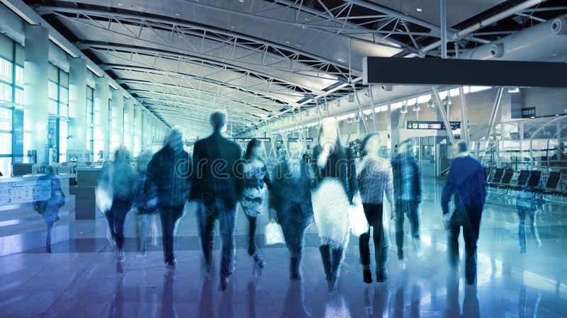 Fond d'affaires avec les silhouettes de marche de tache floue de personnes Londres images libres de droits
