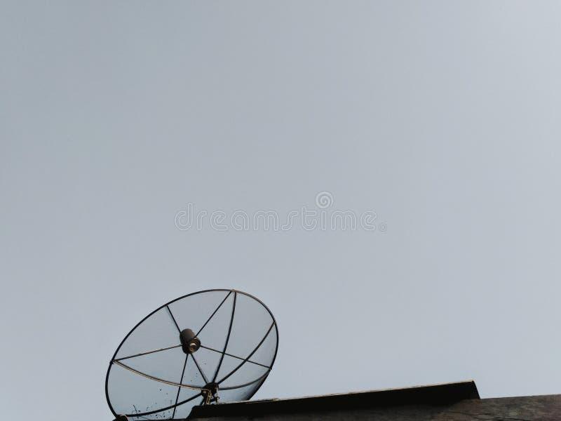 Fond d'antenne parabolique photos libres de droits