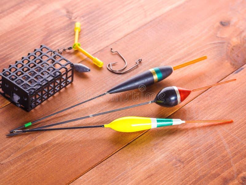 Fond d'articles de pêche Flotteurs, crochets et support image libre de droits