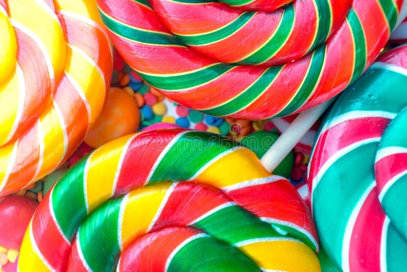 Fond d'ensemble de plan rapproché en spirale coloré de lucettes images stock