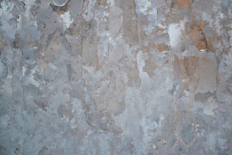 Fond d'hiver, verre congelé de gel fort et vent, texture de glace sur la fenêtre photographie stock