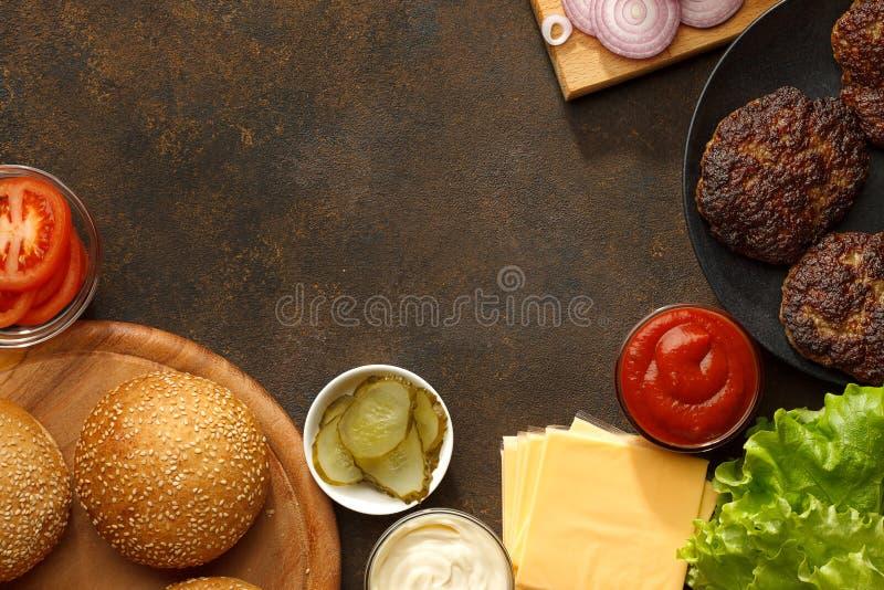 Fond d'ingrédients d'hamburger avec l'espace de copie photo libre de droits