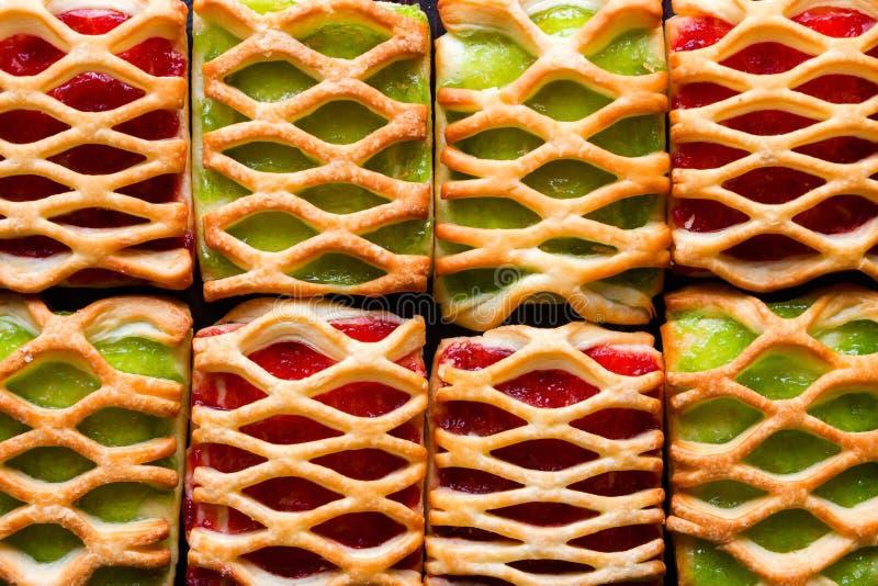 Fond de biscuit avec la fin de confiture  photographie stock
