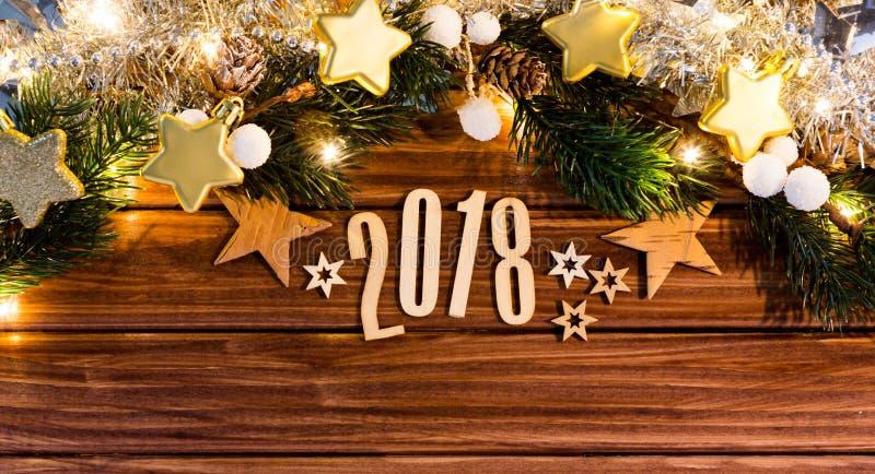 Fond 2018 de bonne année avec la décoration de Noël photos stock