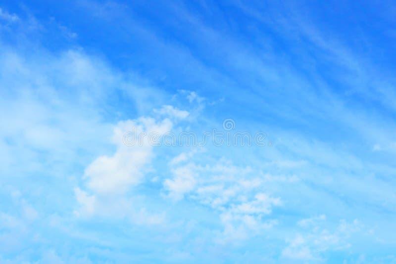 Fond de ciel bleu images libres de droits