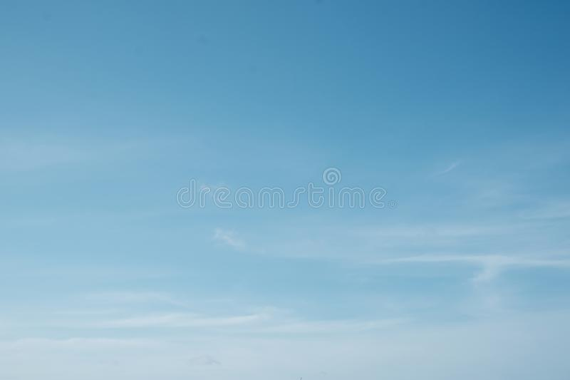 Fond de ciel bleu photos stock