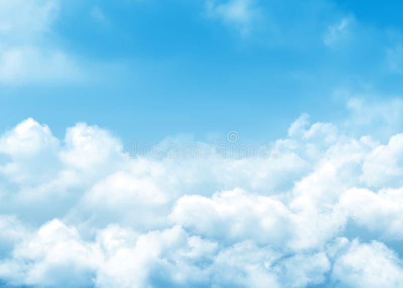 Fond de ciel bleu et de nuages photo libre de droits