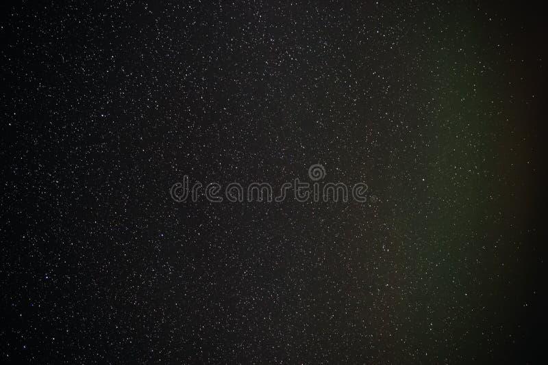 Fond de ciel nocturne étoilé grisonnant et bleu photo stock
