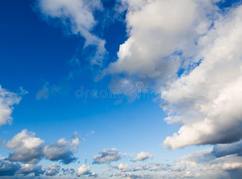 Fond de ciel nuageux image libre de droits