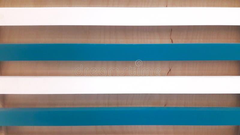 Fond de contreplaqué et de conseils blancs et bleus photo libre de droits