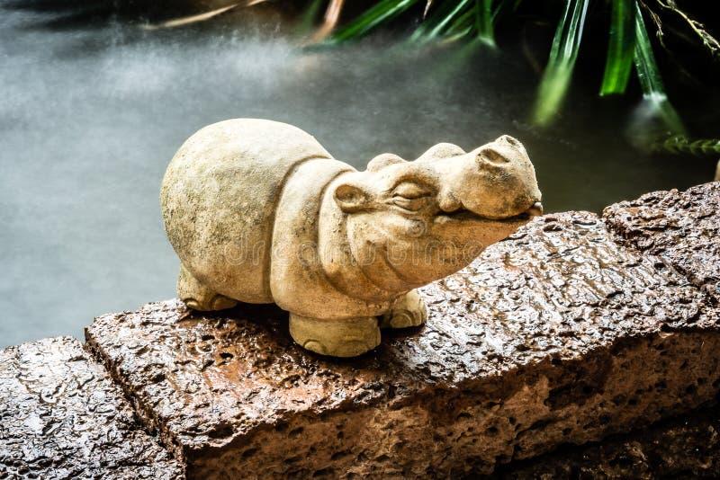 Fond De Décoration De Jardin - Sculpture Mignonne En Poupée D ...