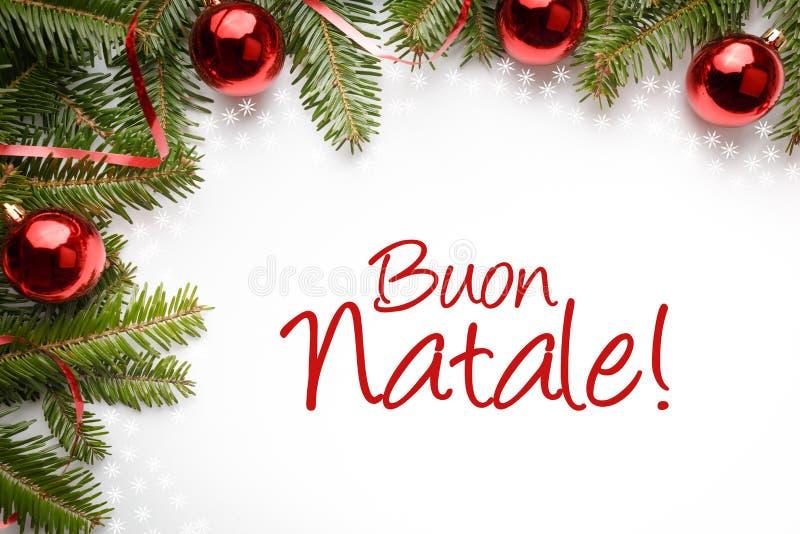 Fond de décoration de Noël avec la salutation de Noël dans le ` italien Buone Natale ! ` photographie stock libre de droits