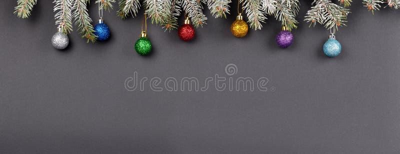 Fond de décoration de Noël ou de nouvelle année : branches de fourrure-arbre, illustration stock