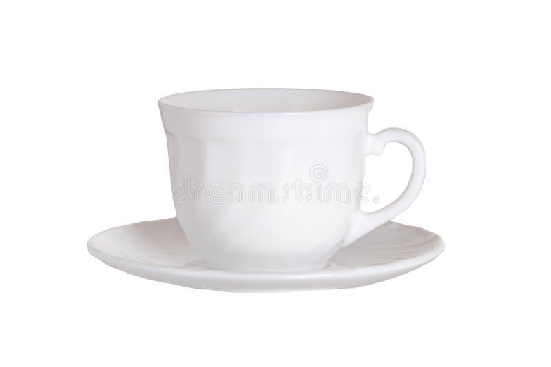 Fond de Dishware ou de vaisselle Plan rapproché de tasse de café blanc vide sur le plat d'isolement sur un fond blanc Macro image stock