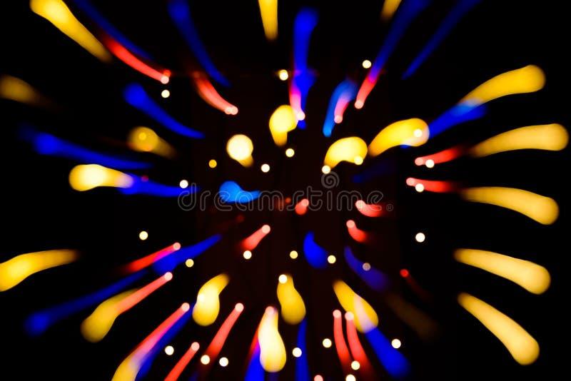 Fond de fête abstrait avec les lumières defocused de bokeh réaliste de photo L'atmosphère de Noël brillant dans l'espace photos stock