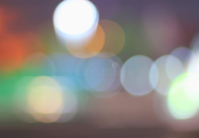 Fond de fête avec le bokeh naturel et les lumières d'or lumineuses Fond magique de vintage avec la couleur photographie stock libre de droits