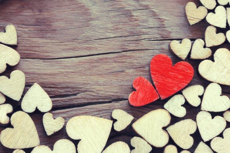 Fond de jour de valentines, coeur de contreplaqué de frontière photos libres de droits
