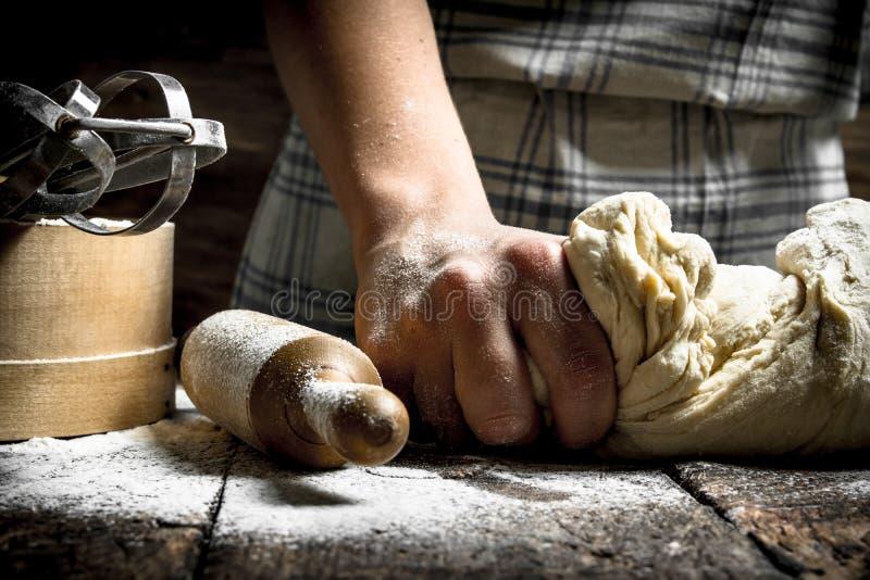 Fond de la pâte Préparation de pâte avec des outils photos libres de droits